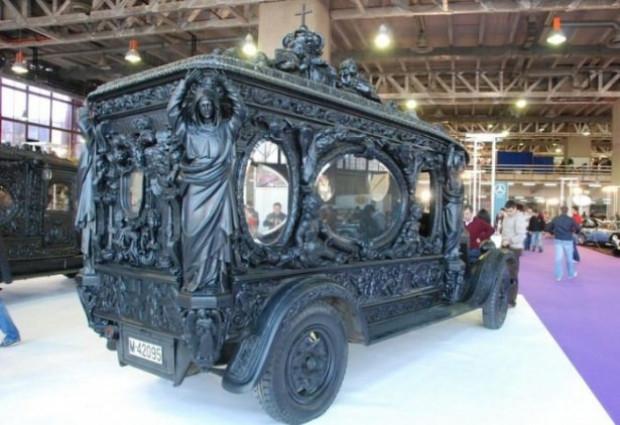 Dünyadaki en ilginç cenaze arabaları - Page 2