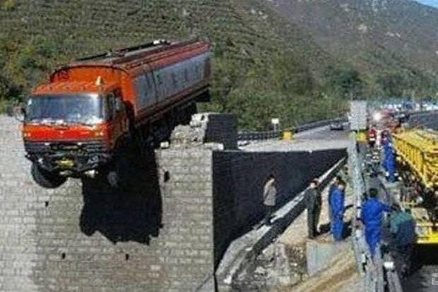 Dünyadan en ilginç kaza görüntüleri! - Page 2