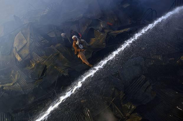 Dünyadan günün fotoğraf galerisi 23.12.2012 - Page 3