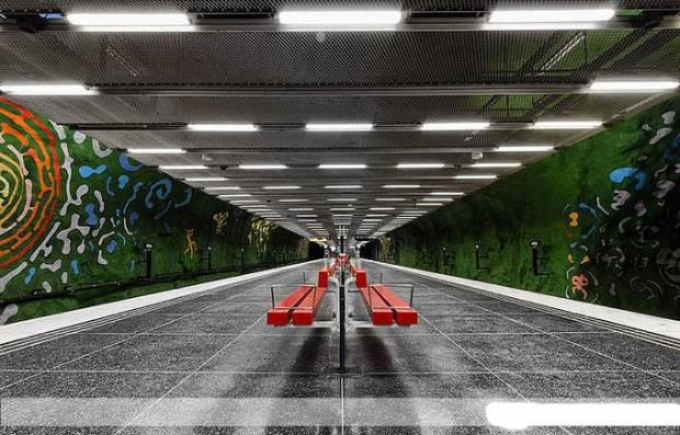 Dünyadan muhteşem metro istasyonları - Page 1