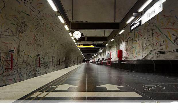 Dünyadan muhteşem metro istasyonları - Page 2