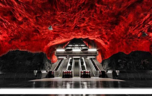Dünyadan muhteşem metro istasyonları - Page 3