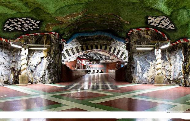 Dünyadan muhteşem metro istasyonları - Page 4