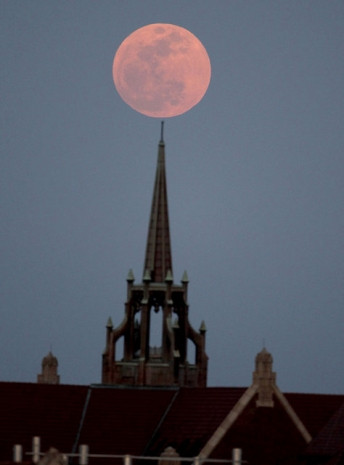 Dünya'nın 2 tane Ay'ı olduğu iddia edildi - Page 4