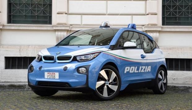 Dünyanın Çeşitli Ülkelerinden 10 Değişik Polis Arabası - Page 4