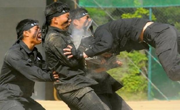 Dünyanın en acımasız askeri eğitimleri - Page 3