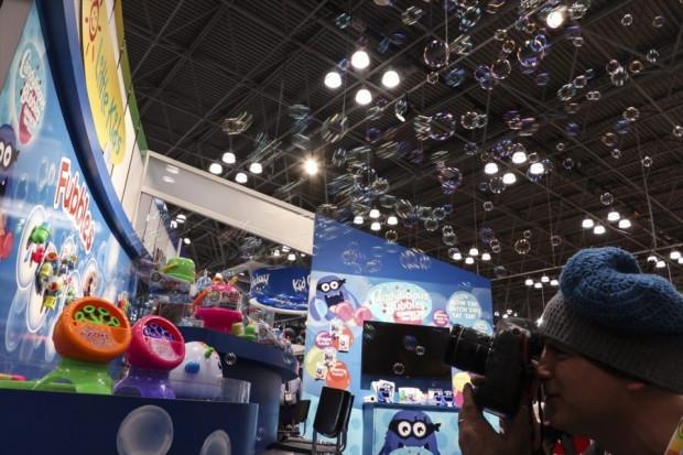 Dünyanın en büyük oyuncak fuarı açıldı - Page 1