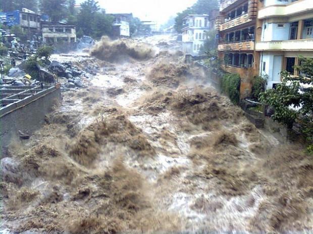 Dünyanın en büyük sel felaketleri - Page 4