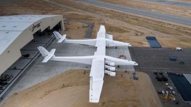 Dünyanın en büyük uçağı Roc göründü! - Page 3
