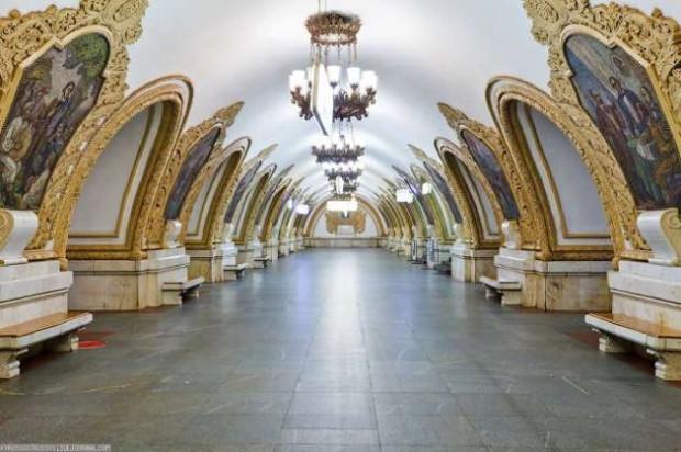 Dünyanın en etkileyici Metro istasyonları - Page 2