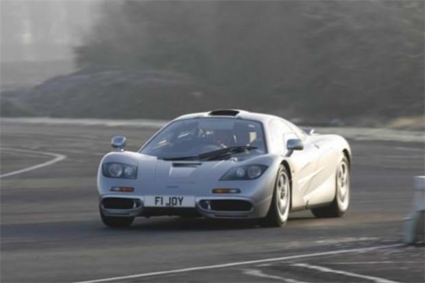 Dünyanın en hızlı 10 spor otomobili - Page 4