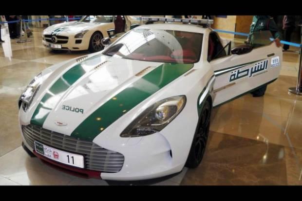 Dünyanın en hızlı polis araçları - Page 1