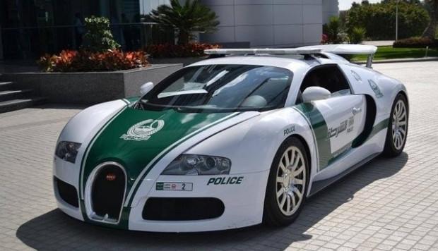 Dünyanın en hızlı polis otomobilleri - Page 1