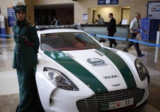 Dünyanın en hızlı polis otomobilleri - Page 3