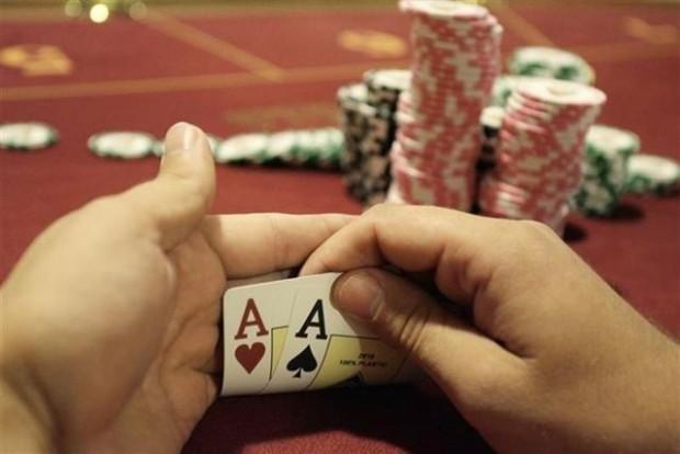 Dünyanın en iyi poker oyuncularını bile yenebilecek program - Page 1