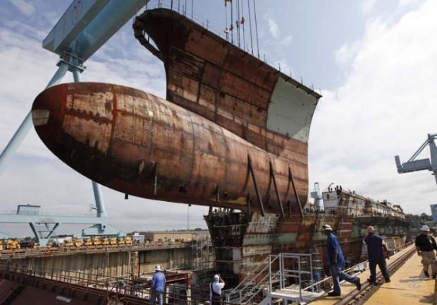 Dünyanın en pahalı uçak gemisi - Page 2