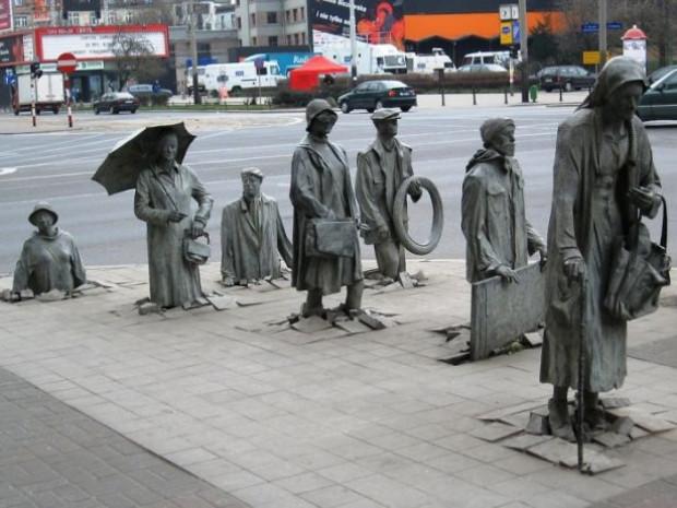 Dünyanın en tuhaf ve enteresan heykelleri! - Page 1