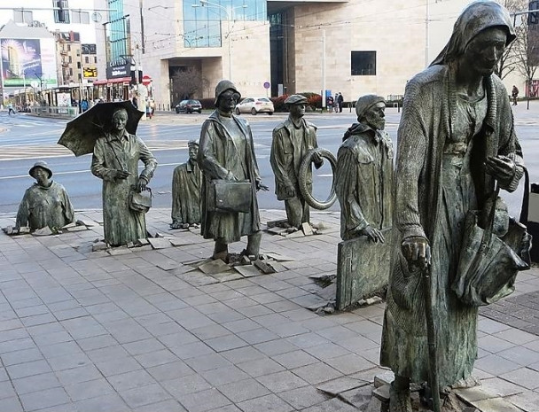 Dünyanın farklı ülkelerinden birbirinden harika 25 modern heykel - Page 3
