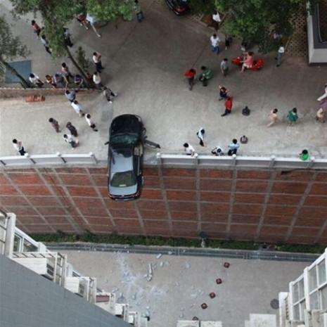 Dünyanın her yerinden ilginç kaza görüntüleri - Page 1