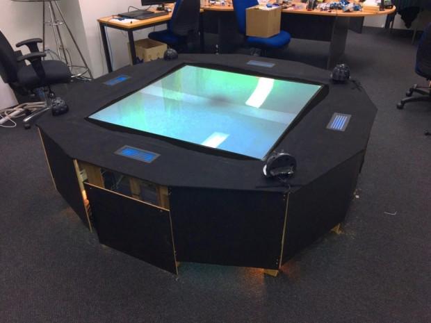 Dünyanın ilk çok kullanıcılı hologram masası - Page 2
