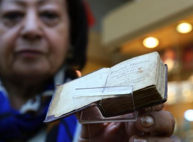 Dünyanın ilk ve tek minyatür kitap müzesi - Page 2