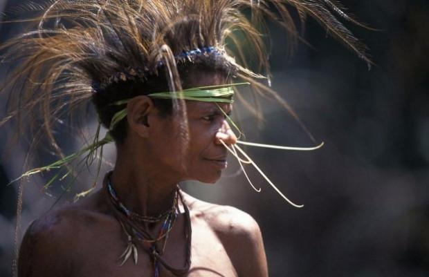 Dünyanın son yamyam kabilesi - Page 1