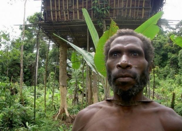 Dünyanın son yamyam kabilesi - Page 4
