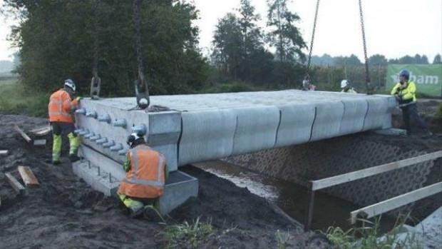Dünyanın üç boyutlu (3D) yazıcıyla yapılan ilk köprüsü hizmete açıldı - Page 2