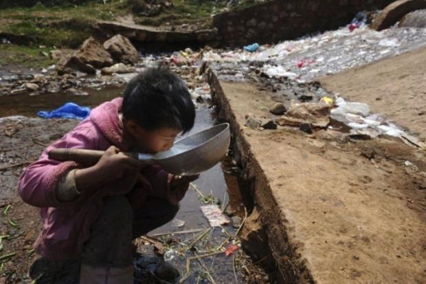 Dünyanın yaşayan en büyük çöplüğü: ÇİN - Page 1