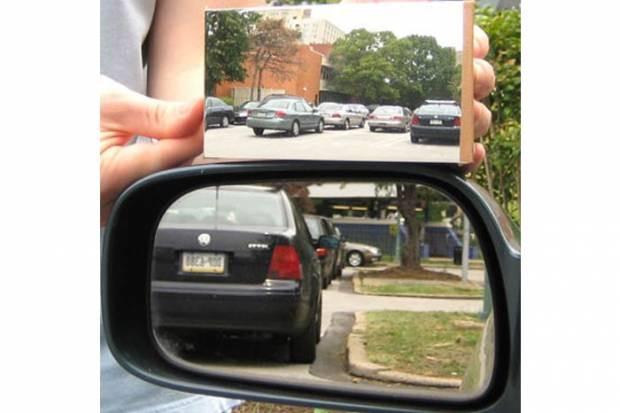 Düz Gösteren Ayna! - Page 1