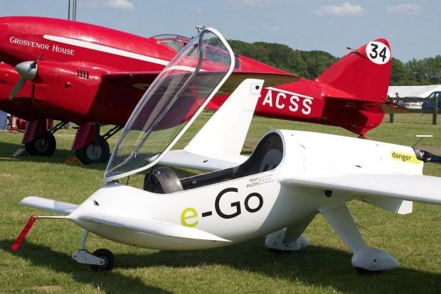 E-Go karbon fiber kanatlı tek kişilik uçak - Page 1