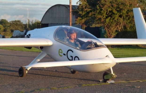 E-Go karbon fiber kanatlı tek kişilik uçak - Page 3
