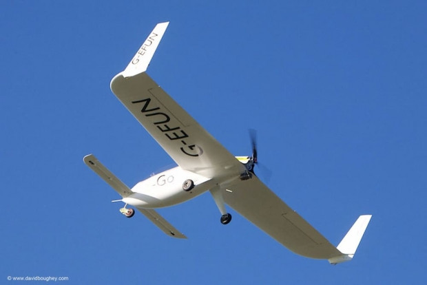 E-Go karbon fiber kanatlı tek kişilik uçak - Page 4