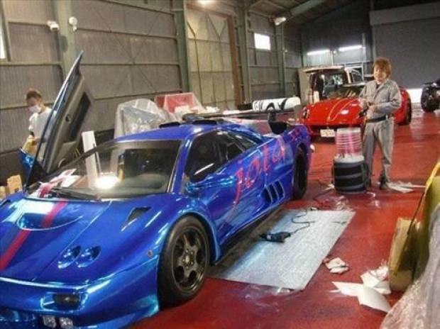 Efsane otomobilleri garajında topladı - Page 3