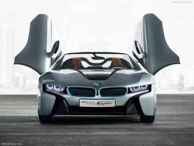 Elektrik ve gazla çalışan BMW İ8 Spyder - Page 1