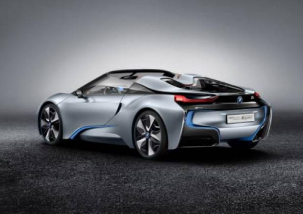 Elektrik ve gazla çalışan BMW İ8 Spyder - Page 3