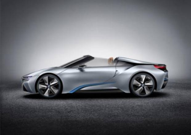 Elektrik ve gazla çalışan BMW İ8 Spyder - Page 4