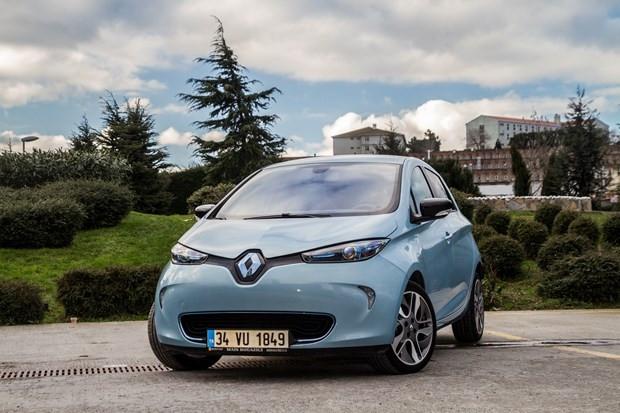 Elektrikli Renault Zoe Türkiye yollarına çıktı - Page 1