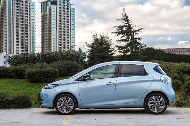 Elektrikli Renault Zoe Türkiye yollarına çıktı - Page 2