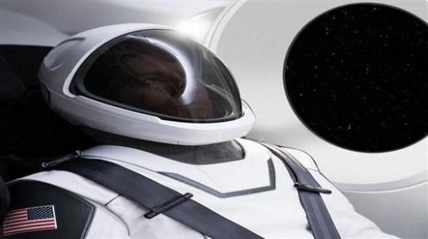 Elon Musk, projesinde giyilecek astronot kıyafetlerini paylaştı - Page 2