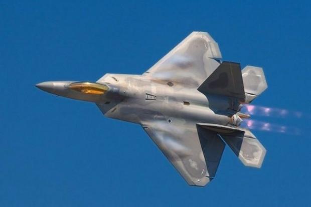 En gelişmiş teknolojilere sahip uçan savaş makineleri - Page 2