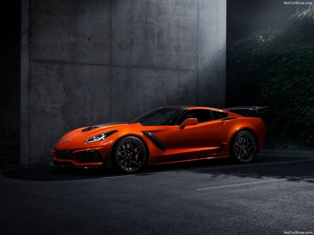 En güçlü ve en hızlı Corvette yüzünü gösterdi - Page 3