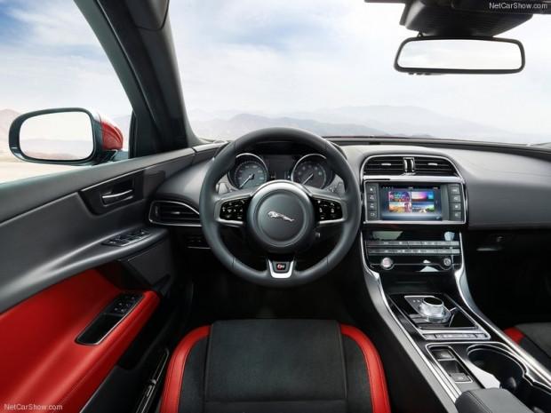 En ince ayrıntısına kadar Jaguar XE S 2016! - Page 4