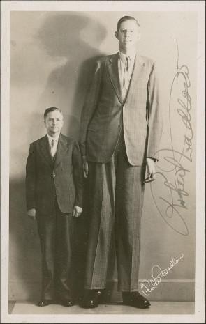 En uzun adam Robert Wadlow - Page 1