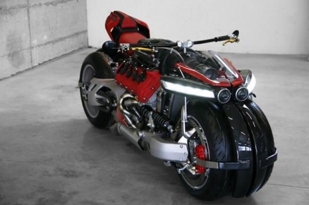 Eşi benzeri olmayan motorsiklet Lazareth LM 847 - Page 2