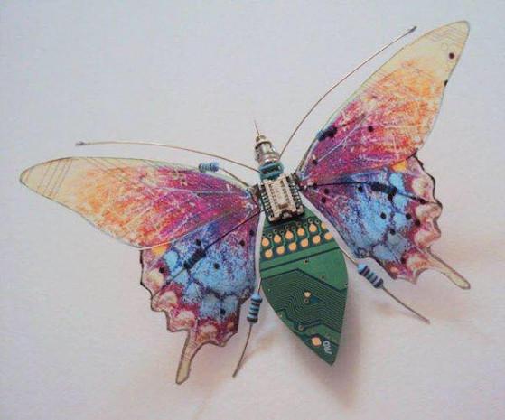 Eski elektronik eşyalardan sanat eserleri yapıyor - Page 4
