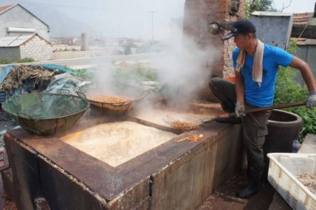 Et, yumurta yetmedi Çin,karidesinde çakmasını yaptı! - Page 4