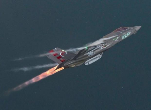 F-35 savaş uçağının üretim aşaması görüntülendi - Page 1