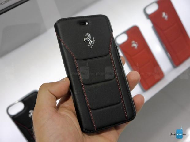 Ferrari kırmızı deri iPhone kılıfı - Page 2