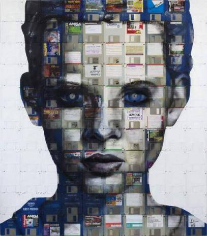 Floppy disklerden oluşturulmuş insan portreleri - Page 1